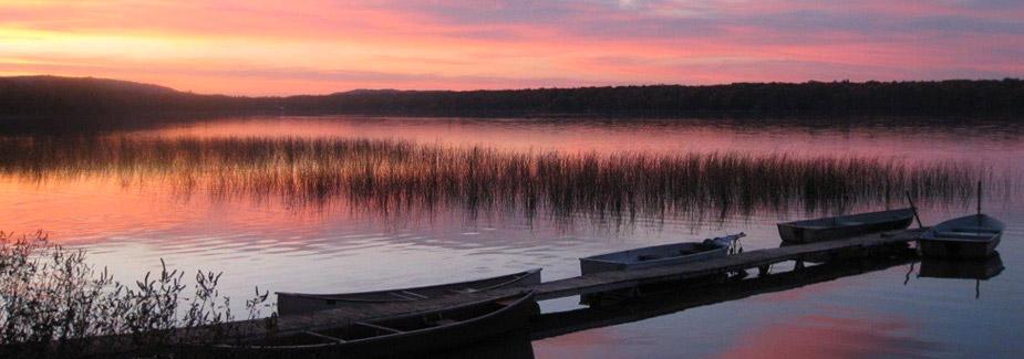 Paul 39 s paradise cottages in leelanau county on little for Lake leelanau fishing